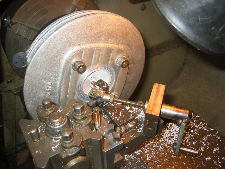 Reshaping combustion chamber